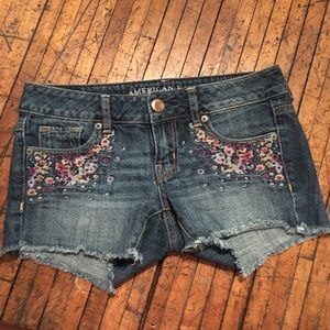 American Eagle embroidered cut off shorts